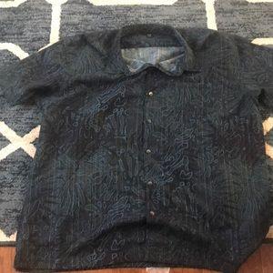 Short sleeve VanHeusen button down shirt.